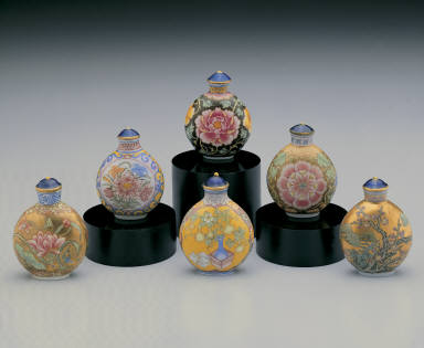 Glass bodied painted enamel snuff bottle (set of six)