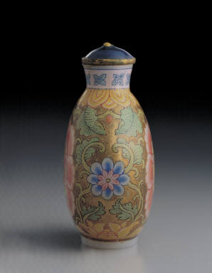 Glass bodied painted enamel snuff bottle with formalistic floral design